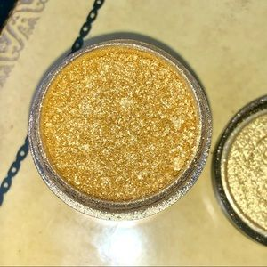MAC Cosmetics Golden Lemon Pigment Eyeshadow RARE
